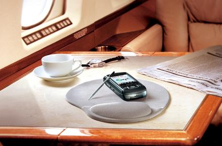 dispositivos móviles en aviones, smartphones y tablets