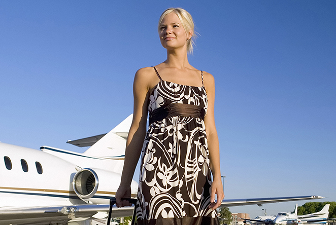 pasajero_viaje_mujer_femenina_consejos_avion