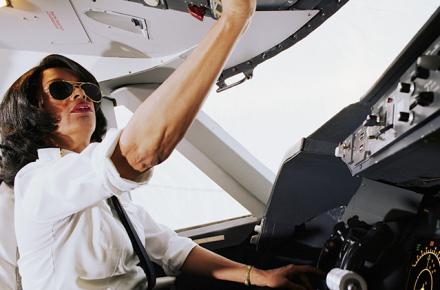 Becas para estudiar piloto comercial