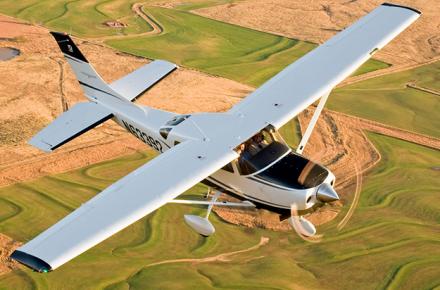 Escuela de vuelo, Despegue arriesgado