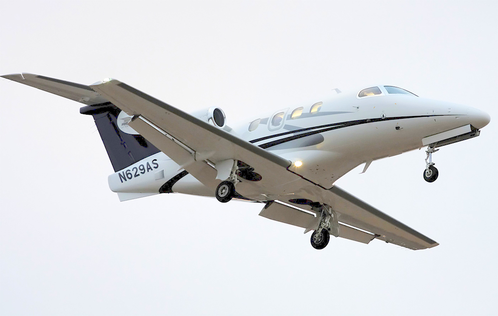 private_jet_embraer_phenom_civil_aviation_aviacion_civil_aviacion_comercial_jet_privado_flying_avion_privado_private_airplane
